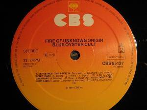 Blue Öyster Cult: Fire Of Unknown Origin (LP) - Bild 6
