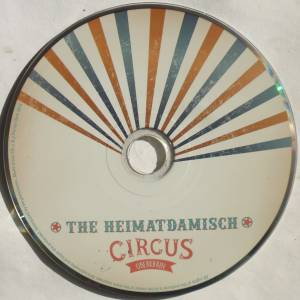 The Heimatdamisch: Welcome To Circus Oberkrain (CD) - Bild 3