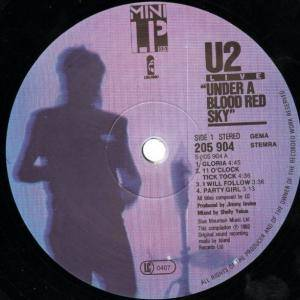 U2: Under A Blood Red Sky (LP) - Bild 3