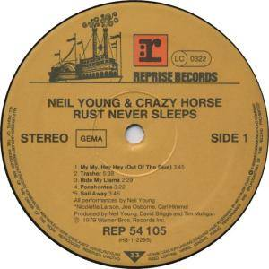 Neil Young & Crazy Horse: Rust Never Sleeps (LP) - Bild 3