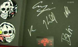 Die Toten Hosen: Machmalauter - Live - Die Volle Dröhnung (2-CD + 2-DVD) - Bild 2