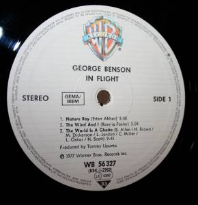 George Benson: In Flight (LP) - Bild 3