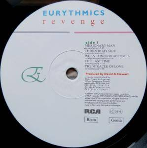 Eurythmics: Revenge (LP) - Bild 5