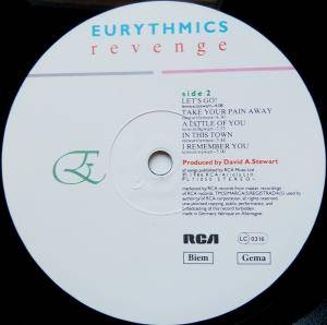 Eurythmics: Revenge (LP) - Bild 6