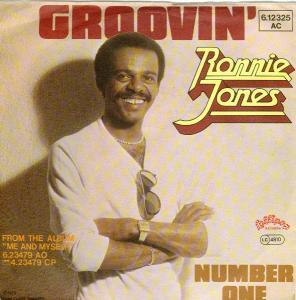 Ronnie Jones: Groovin' - Cover