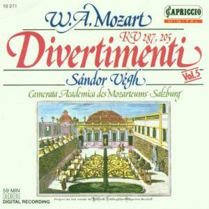 Wolfgang Amadeus Mozart: Divertimenti KV 287 &  295 - Cover