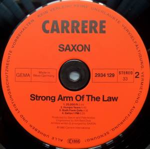Saxon: Strong Arm Of The Law (LP) - Bild 4