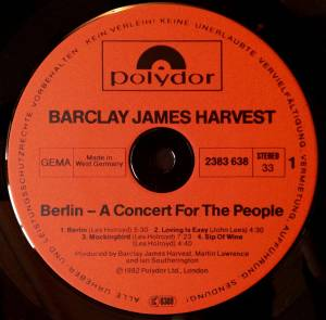 Barclay James Harvest: Berlin - A Concert For The People (LP) - Bild 2
